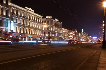 Night Nevsky Prospekt 1 Standard-Bild