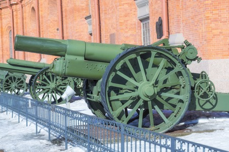 SAINT PETERSBURG, RUSSIA - MARCH 31, 2018: Old cannon on courtyard of Military History Museum of artillery, engineer and signal corps in St. Petersburg Éditoriale