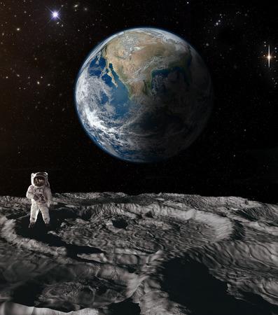 mond: Der Astronaut auf dem Mond mit der Erde im Hintergrund Editorial