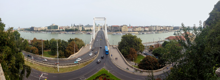 suspend: Bridge over the Danube in Budapest. Erzs� � bet Bridge is named in honor of the Empress Elizabeth, and connects Buda and Pest. View from Mount Gallert.