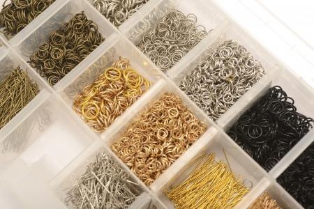 metalen onderdelen voor kralen en sieraden maken