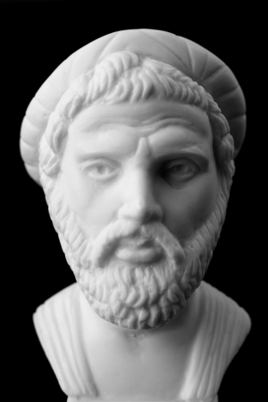 Pythagoras van Samos was een belangrijke Griekse filosoof, wiskundige, meetkundige en muziektheoreticus. Wit marmeren buste.