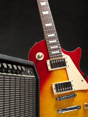 superdirecta: guitarra el�ctrica con amplifire, para temas de m�sica y entretenimiento