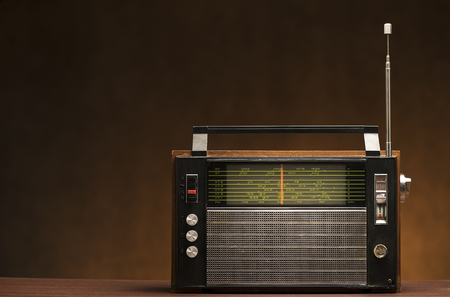 Vintage grungy radio receiver, for music ,audio,entertainment themes 版權商用圖片
