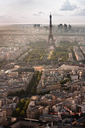 Paris with Eiffel tower in the late afternoon and La Defense district behind. Stock Photo - 7799498