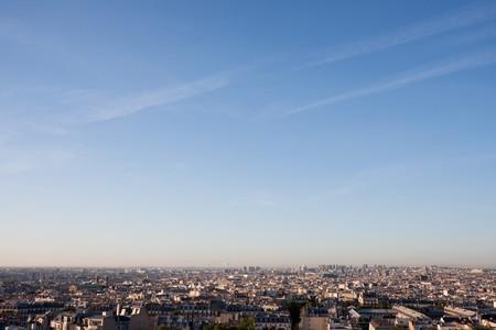 Anonimo cityscape di Parigi senza i punti di riferimento significativi. Pu� agire come un generico paesaggio urbano.