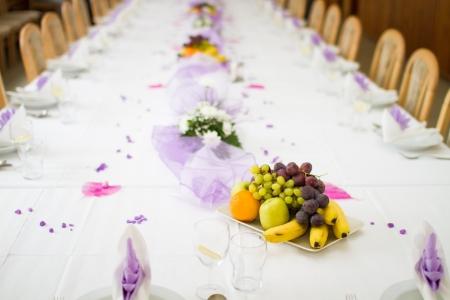 Matrimonio o cena tabella di ricezione con frutta Archivio Fotografico