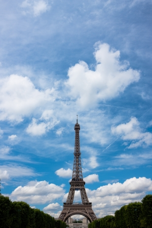 The Eiffel tower monument with blue sky and clouds Stock Photo - 14747908