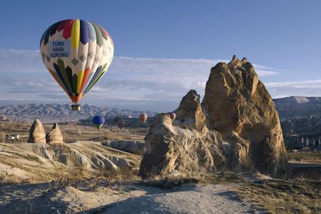 Hot air balloon over Cappadocia, Turkey Imagens