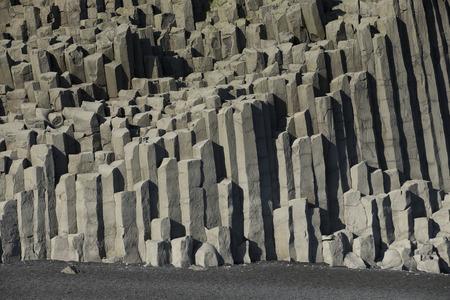 Reynisfjara ビーチ火山玄武岩地盤の形成、アイスランドの南部