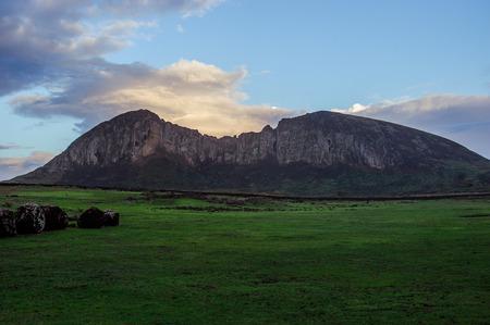 moai: moai. Island.Mountains Pascua Estatuas. Oc�ano.