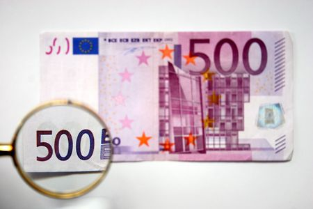 500 euro with clack, authentication photo