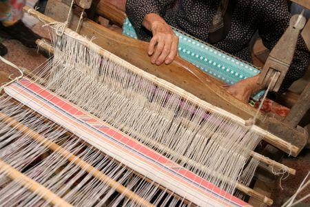 weft: handloom weaving