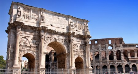 constantino: details of Arco de Constantino and  Colosseum in Rome, Italy Stock Photo