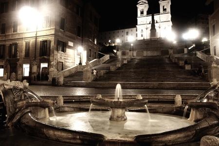 di: Piazza di Spagna of night in Rome, Italy