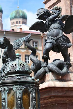 putto: Putto Statue on the Marienplatz in Munich, German