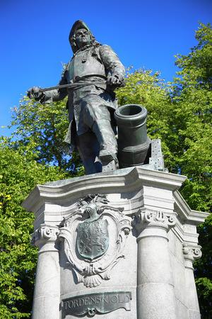 admiral: statue of Admiral Peter Tordenskjold in Oslo, Norway