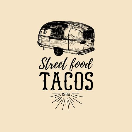 Vector vintage Mexicaans eten vrachtwagen logo. Taco's pictogram. Retro hand getrokken hipster straat snack auto illustratie. Embleem van de drank.