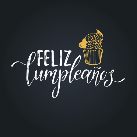 Vector Feliz Cumpleanos, translated Happy Birthday lettering design. Festive illustration with cake for greeting cards. Imagens - 79995575