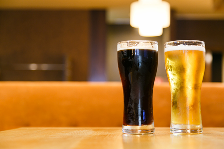 alcoholic beverages: Cold alcoholic beverages by the glass pint for men