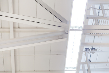 Suspended ceiling lamps for industrial building lighting