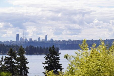 View from the shore of Lake Waschington in Kirkland. Seattle panoramas. 版權商用圖片