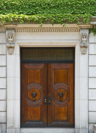 artdeco: Classic wooden door with bronze handles