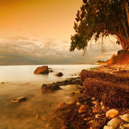 Ein Paradies Landschaft in Gold-T�ne der K�ste Terens Meer. Insel Sizilien. Bitte sehen Sie einige meiner anderen Landschaft Bilder: Lizenzfreie Bilder