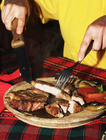 griller: Mixed grill on a plate