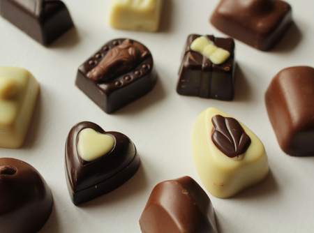 Pralines made of various types of chocolate, with filling