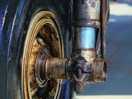 bathed: oil bathed gear old aircraft