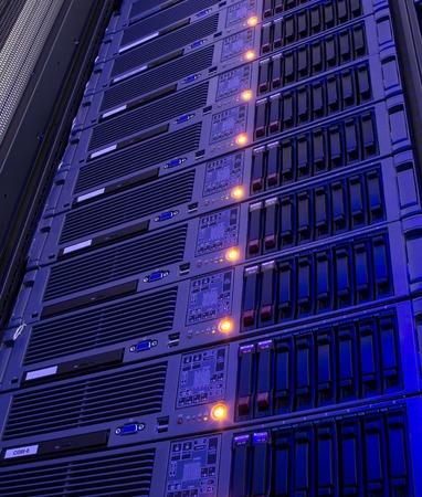 diskdrive: Modern storage of blade servers in  data center vertical