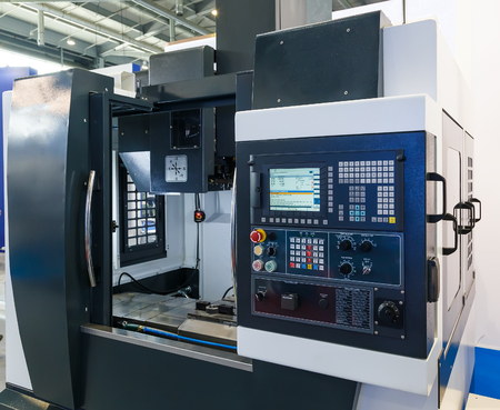 industrial equipment of cnc milling machine center 版權商用圖片 - 64054908