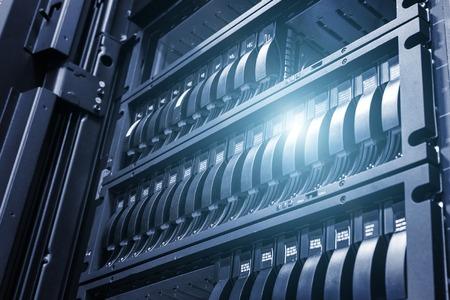 光とクールな口調でフィールドの深さとデータ センターでアレイ ディスク ストレージ