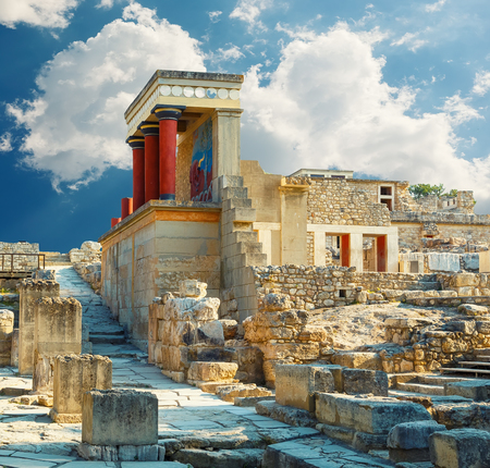 Knossos-paleis op Kreta. Heraklion, Kreta, Griekenland. Detail van oude ruïnes van beroemd Minoan-paleis van Knossos. Stockfoto