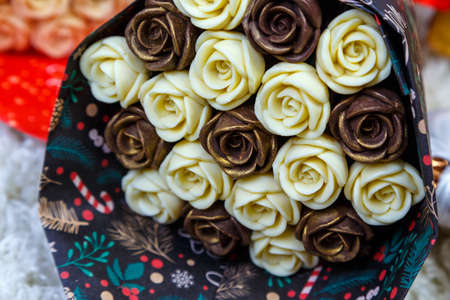 bouquet of colorful chocolate roses, close-up, depth of field blur. 版權商用圖片