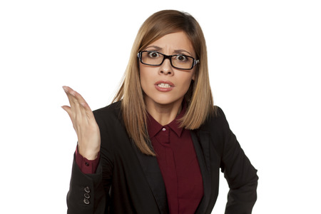 personas enojadas: angry business woman arguing on a white background