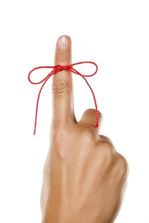 Palec wskazany czerwoną liną