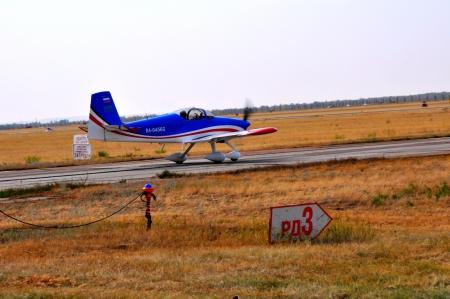 takeoff: Aerei al decollo Editoriali
