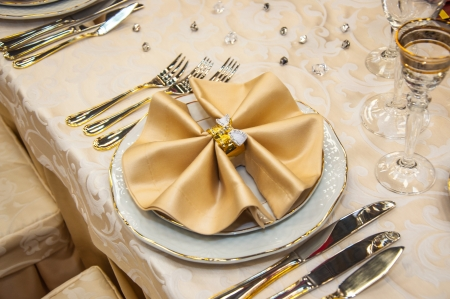 Elegant wedding table place settings