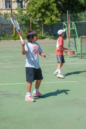 Die Stadt Orenburg, Orenburg Oblast, Russland, 16. August 2013. Der Sommer-Meisterschaft der Region Orenburg im Tennis unter Jugendlichen. Standard-Bild - 21486346