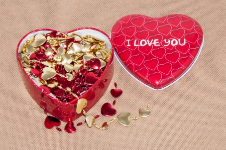 congratulate: Congratulate your favorite Valentines day. Love and be loved