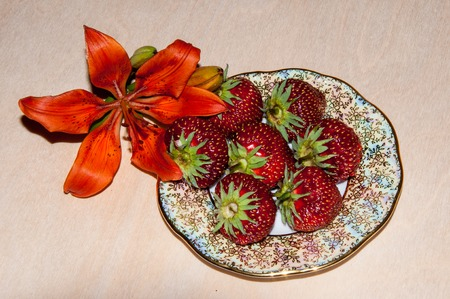 herbaceous  plant: Strawberries are perennial herbaceous plant, genus Fragaria