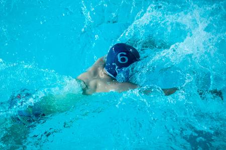 waterpolo: El waterpolo es un deporte acuático equipo