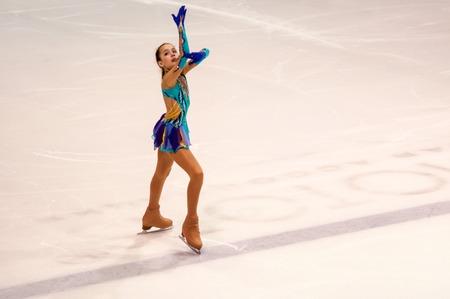 """Orenburg, Russland - 2016.03.26: Wettbewerbe Mädchen Figure Skater """"Orenburg Weiten"""". Editorial"""