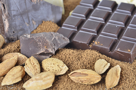 instant coffee: chocolate and almond on the instant coffee