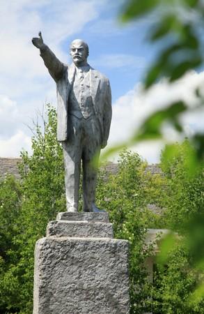 버려진 도시의 소련 지도자 인 6 Lenin의 동상