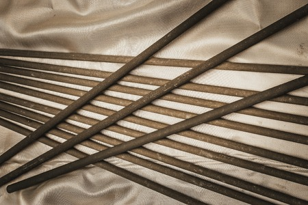 electrodes for welding on silk fabric