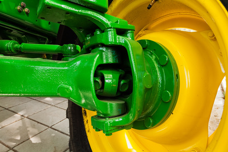 new motor vehicles: Transmission unit of tractor