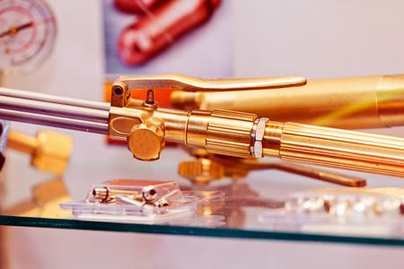 Close-up nieuw ontwerp van onderdelen voor motor op tentoonstellingsshow; noteer ondiepe scherptediepte Stockfoto - 89248366